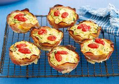 Zucchini, ham and cheese cups recipe - By recipes+, These gluten-free mini quiches are great for a school or work lunch. Gf Recipes, Dairy Free Recipes, Gluten Free, Quiche Cups, Cheese Quiche, Peach Pork Chops, Delicious Desserts, Yummy Food, Healthy Food