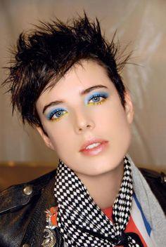 nice eyes makeup, via polki. Tomboy Makeup, Agyness Deyn, Blue Eyeliner, Back To Basics, Eye Make Up, Makeup Trends, Smokey Eye, Girl Crushes, Makeup Inspiration