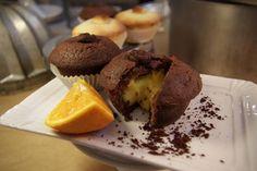 Bocconotto al cioccolato con crema all'arancia