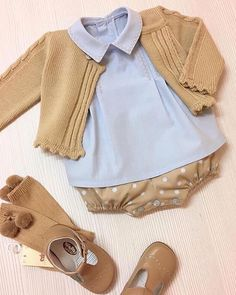 Pin by on Babies Fashion Kids, Baby Girl Fashion, Knitting For Kids, Baby Knitting, Cute Baby Girl, Baby Boy, Crochet Baby Jacket, Kids Outfits, Cute Outfits