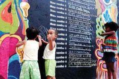 Gabriele Valente Feliz GSA 2012 - Matéria sobre a intervenção artística Liberte seus Sonhos, realizada por Gabi na Lapa (Rio de Janeiro, RJ, Brasil) em dezembro de 2012