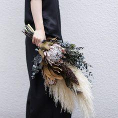 Hand Bouquet, Dried Flower Bouquet, Flower Bouquet Wedding, Dried Flowers, Rustic Flower Arrangements, Rustic Flowers, Xmas Decorations, Flower Decorations, Exotic Wedding