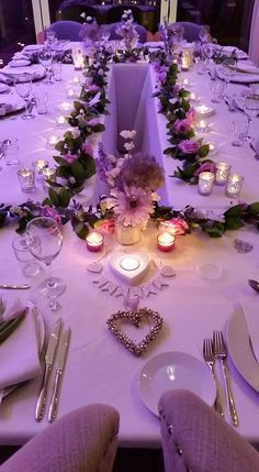 Fine dining in the Nest at a recent wedding, ready for delicious food cooked by Gary Shapland :) Hills And Valleys, Unique Wedding Venues, Wedding Decorations, Table Decorations, Tree Tops, Fine Dining, Wedding Designs, Perfect Place, Centerpieces