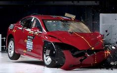 En Video Crash Test del Tesla Model S 2016