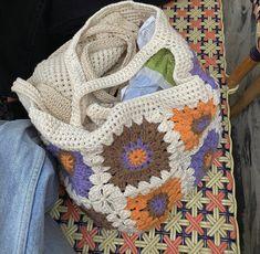 Crochet Clothes, Diy Clothes, Cute Crochet, Knit Crochet, Crochet Tote, Crochet Designs, Crochet Patterns, Dr Shoes, Mode Ootd