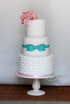 Sweet Vintage Wedding Cake... by The Well Dressed Cake, via Flickr