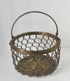 Vintage Brass Tone Wire Basket. by Cosasraras on Etsy