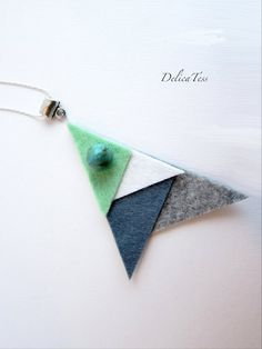 Items similar to Felt necklace, stone bead, green & grey on Etsy Textile Jewelry, Fabric Jewelry, Diy Jewelry, Handmade Jewelry, Jewelry Making, Jewellery, Felt Necklace, Diy Necklace, Necklaces