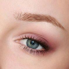 Eye Makeup Inspo - Eye Makeup Bronze - Make-Up Purple Eye Makeup, Natural Eye Makeup, Skin Makeup, Eyeshadow Makeup, Natural Eyes, Makeup Brushes, Makeup Remover, Clean Makeup, Eyeshadow Ideas