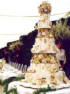 Greece's Crown Prince Pavlos and heiress Marie-Chantal Miller's wedding cake...love