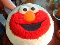 Elmo Cake I made this for my neices birthday party. She LOVES Elmo! Elmo Birthday, Baby 1st Birthday, 1st Birthday Parties, Birthday Cake, Birthday Ideas, Elmo Cake, Winter Birthday, Cupcake Cakes, Cupcakes