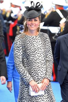 Kate Middleton and baby bump, last preggo pic taken! #royalbaby