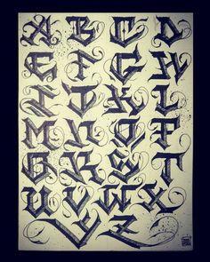 No image description. Tattoo style – Graffiti World Tattoo Lettering Alphabet, Calligraphy Fonts Alphabet, Tattoo Lettering Styles, Chicano Lettering, Graffiti Lettering Fonts, Lettering Design, Tatto Letters, Images Alphabet, Graffiti Alphabet Styles