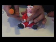 Kit Panettoncino decorato natale 2012 - Panettone artigianale, pasta di zucchero già colorata ed un video tutorial per realizzarlo in modo semplice e veloce....