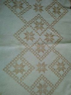 Bargello, Elba, Machine Embroidery, Embroidered Towels, Crochet Decoration, Cross Stitch, Tricot, Counted Cross Stitches, Sewing Stitches