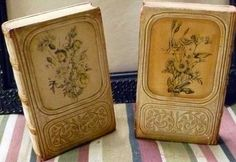 This unique pair of vintage Borghese Chalk Ware bookends is decorated with…