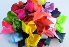 Want to learn how to make a bow out of ribbon? Check out this video -- you'll beamazed at how fast and effortlessly a bow can be made!