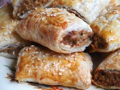 These vegetarian sausage rolls taste so good, no one will miss the meat! Sausage Meat Recipes, Vegan Sausage Rolls, Vegetarian Appetizers, Vegetarian Recipes, Cooking Recipes, Risotto Recipes, Lentil Recipes, Puff Pastry Recipes, Meatless Monday