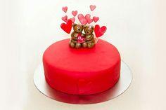 Kärlekstårta tårta love cake hearts valentine valentinecake lovecake red teddy bears nallar nalle hjärtan hjärta kärlek  ⭐sockerlinn.se⭐