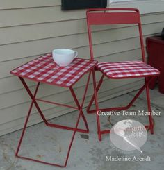 Restyle a found Bistro Set quickly and easily with Chalk it Up by Earth Safe Finishes. I love finding things to restyle, up cycle and remake!
