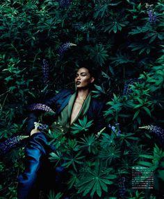 Vogue Japan Editorial December 2011 - Joan Smalls by Solve Sundsbo