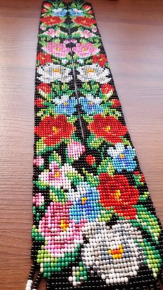 Gerdan native american jewelry inspired native american | Etsy Hand Embroidery Art, Embroidery Flowers Pattern, Flower Patterns, Cross Stitch Bookmarks, Cross Stitch Art, Native American Beading, Native American Jewelry, Loom Patterns, Beading Patterns