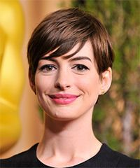 Anne Hathaway Hairstyle: Casual Short Straight Hairstyle
