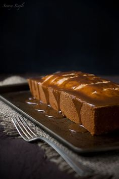 Caramel Apple Poundcake Recipe - Savory Simple - This caramel apple poundcake is sweet, eggy and dense but soft. And it's covered in a rich, creamy caramel sauce that keeps the cake moist and flavorful. Köstliche Desserts, Delicious Desserts, Dessert Recipes, Yummy Food, Dessert Blog, Apple Recipes, Fall Recipes, Cupcake Cakes, Cupcakes