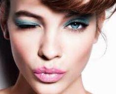 Hoje é sábado Baby aproveita experimenta uma sombra colorida e se joga na night  #dicadajack #makeup #ilovemakeup #makes #jacquelinefraga