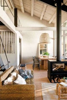 〚 Wonderful conversion of an old barn in Spain 〛 ◾ Photos ◾Ideas◾ Design Barn Conversion Interiors, Shutter Decor, Rustic Interiors, Interior Design Living Room, Home Remodeling, House Design, House Styles, Home Decor, Farmhouse Chic
