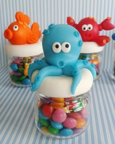 Fundo do Mar- Mini potinho Clay Fish, Clay Jar, Ocean Party, Troll Party, Biscuit, Under The Sea Party, Sweet 16 Parties, Mermaid Birthday, Cold Porcelain