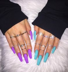 "If you're unfamiliar with nail trends and you hear the words ""coffin nails,"" what comes to mind? It's not nails with coffins drawn on them. It's long nails with a square tip, and the look has. Aycrlic Nails, Swag Nails, Hair And Nails, Coffin Nails, Stiletto Nails, Shiny Nails, Best Acrylic Nails, Acrylic Nail Designs, Bright Acrylic Nails"