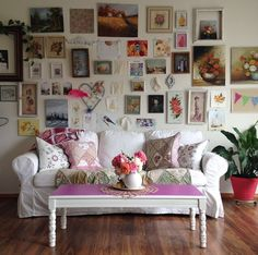 Gorgeous room and picture wall gallery.  annettabosakova