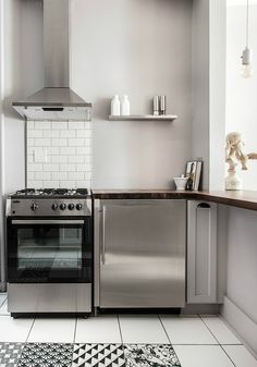 Your Guide to Cleaning Stainless Steel Appliances & Cookware