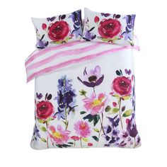 The Taransay duvet and pillowcase set is classic bluebellgray; maxi floral blooms beautifully rendered in Fi's signature watercolour style.