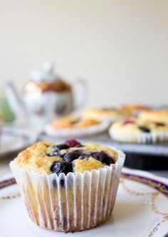 Do you want a quick low carb, gluten and sugar free breakfast that is perfect for busy weekday mornings? Say good morning to these Grab & Go Low Carb Muffins! Sugar Free Breakfast, Grab And Go Breakfast, Low Carb Breakfast, Breakfast Ideas, Low Carb Sweets, Low Carb Desserts, Low Carb Recipes, Snack Recipes, Banting Desserts