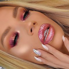 PÜR Royalty - @nikkifrenchmakeup wearing Mirror Mirror lip gloss from the @jadeywadey180 Luxe Lip Collection.
