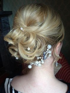Melanie, one of my American Brides, lovely soft curls, pinned up to give a romantic Bridal look. Bridal Hair And Makeup, Hair Makeup, Soft Curls, Some Image, Bridal Looks, Edinburgh, Circles, Scotland, Brides
