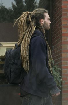 I really dont understand why so many people hate on white men and women with dreadlocks, I have dreadlocks and I know I dont want to be put down by other people..: