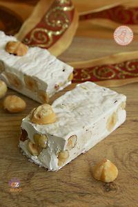 TORRONE CON LE NOCCIOLE FATTO IN CASA Torrone Recipe, Nougat Recipe, Italian Desserts, Italian Cookies, Italian Recipes, Christmas Food Gifts, Christmas Desserts, Sweet Recipes, Cake Recipes