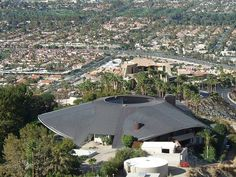 Bob Hope Residence, Palm Springs — A John Lautner Massive Masterpiece Architecture Details, Interior Architecture, John Lautner, Faia, Bob Hope, Famous Architects, Amazing Buildings, Palm Springs, Terrace