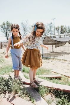 20 Cutest Boho Kids Style For Last Summer Fashion Kids, Little Girl Fashion, Toddler Fashion, Kids Fashion Summer, Little Girl Style, Fashion 2020, Korean Fashion, Fashion Brands, Fashion Accessories