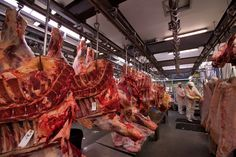 Stock Photo - A butcher at Smithfield Meat Market, London, UK Smithfield Market, Recovery Food, Meat Markets, Secret Recipe, You Gave Up, Food Packaging, Eating Habits, Poultry, Stock Photos