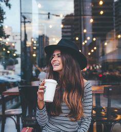 New photography coffee shop starbucks ideas - Top-Trends Coffee Shop Photography, Dream Photography, Girl Photography Poses, Street Photography, Fashion Photography, Coffee Instagram, Foto Instagram, Modeling Fotografie, Poses Photo