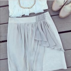 """Anthropologie """"baraschi"""" skirt Perfect holiday skirt!!! Beige skirt with gold chiffon detail. Very cute and chic. All reasonable offers considered 😊 Anthropologie Skirts Mini"""