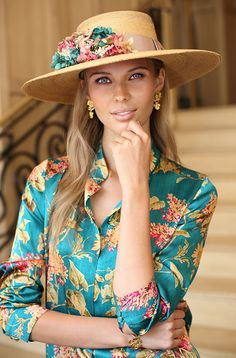 Guest looks touched Zara Fashion, India Fashion, Womens Fashion, Fancy Hats, Cool Hats, Wide Brimmed Hats, Moda Chic, Spring Outfits Women, Wedding Hats