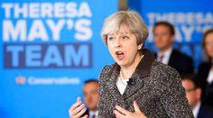 Şefii de cabinet ai premierului britanic Theresa May au demisionat Fox Hunting, Theresa May, Latest World News, Article Writing, A Decade, British, Sayings, Lady