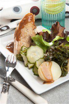 Grydestegt kylling med agurkesalat og kogte kartofler SlankeDoktor.dk