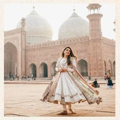 Zainab Reza setting the style quotient high and serving summer fashion goals in our bestseller piece from Ghuncha Gul. Disney Wedding Dresses, Hijab Bride, Eid Dresses, Pakistani Wedding Dresses, Simple Outfits, Stylish Outfits, Muslim Brides, Muslim Couples, Nigerian Weddings