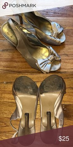 Vintage look platform stilettos Worn a couple times for weddings. Very classic! Kelly & Katie Shoes Heels